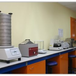 Pharmaceutics Lab - Sieve shake and Friabilator